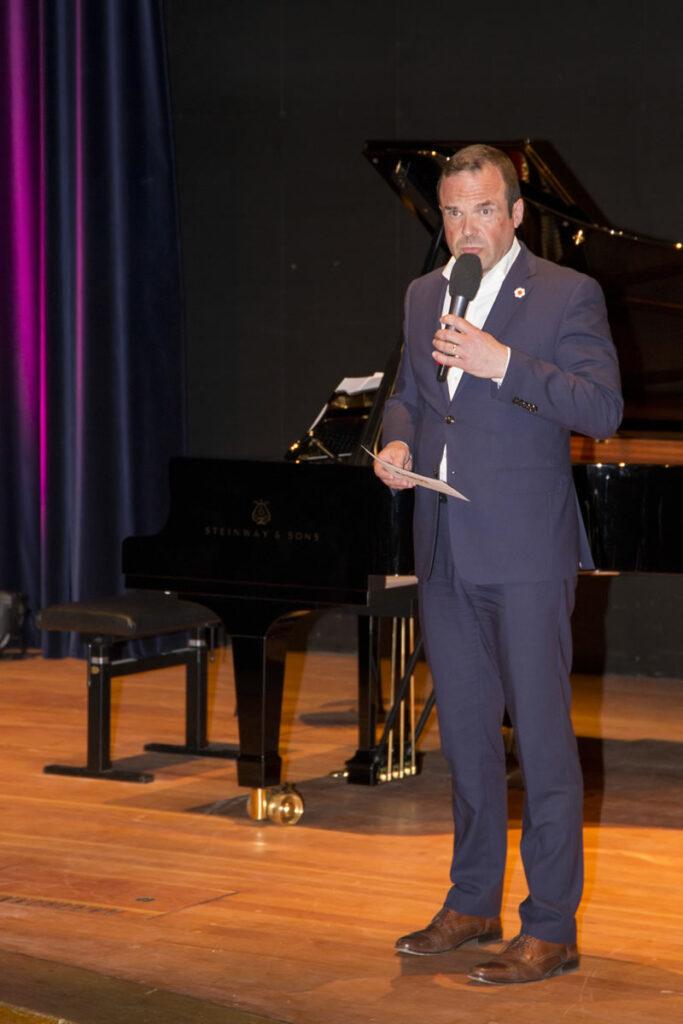 Roger Cericius (Moderator)