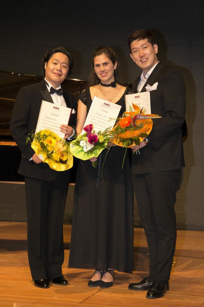Die Stipendiaten des Jahre 2017 v.l.n.r. Konstantin Lee, Magdalena Hinz, Jaejun Kim