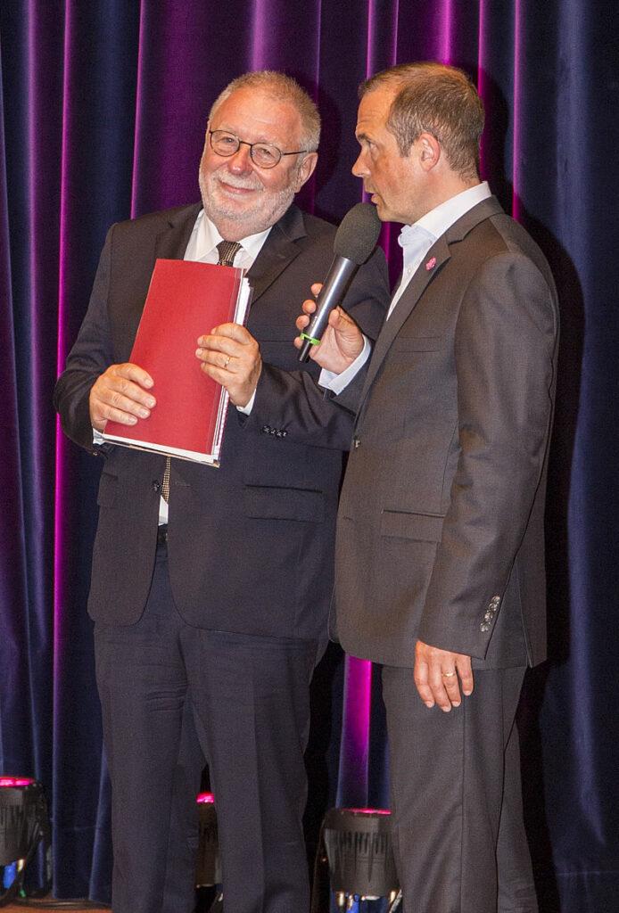 Roger Cericius (re.) mit Prof. Dr. Hans Bäßler